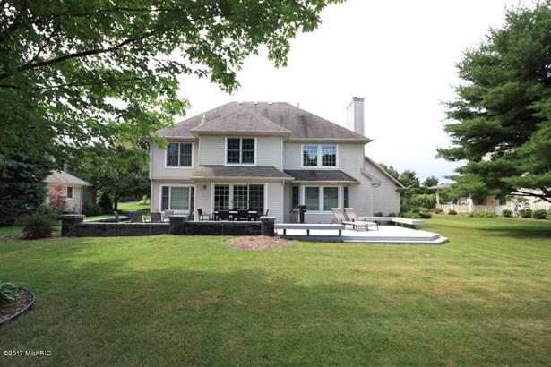 Single Family Residence, Contemporary - Portage, MI (photo 4)