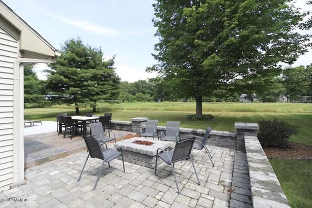 Single Family Residence, Contemporary - Portage, MI (photo 5)