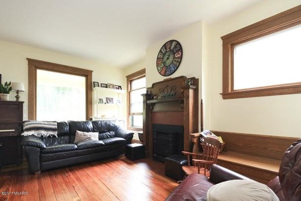 Single Family Residence, Colonial - Kalamazoo, MI (photo 5)