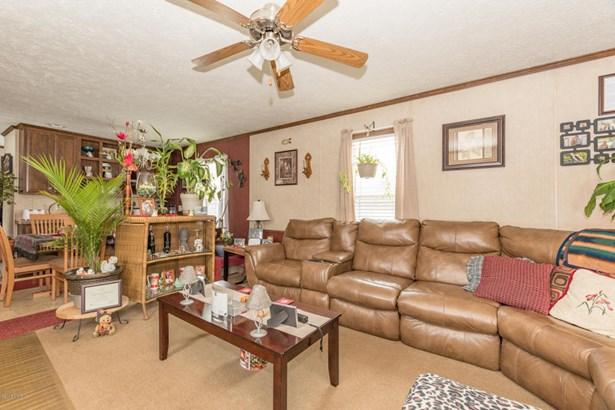 Single Family Residence, Ranch - Bangor, MI (photo 2)