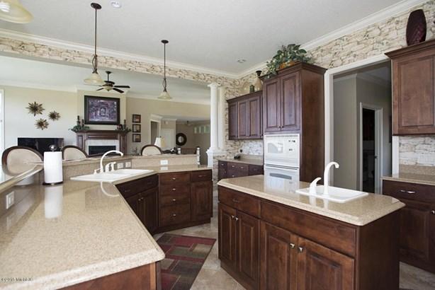 Single Family Residence, Ranch - Augusta, MI (photo 5)