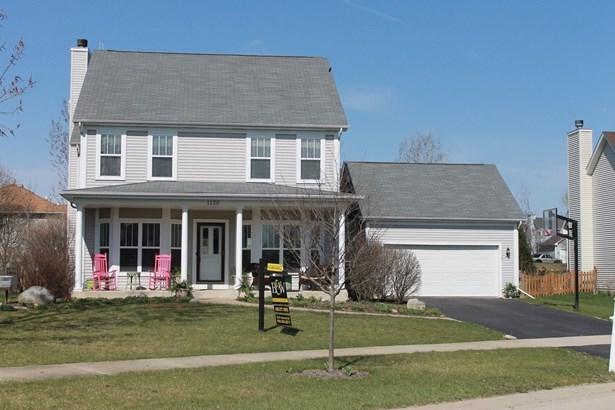 Farmhouse, Detached Single - Elburn, IL (photo 1)