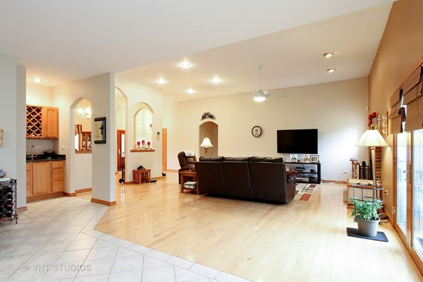 Ranch, Detached Single - Cary, IL (photo 4)