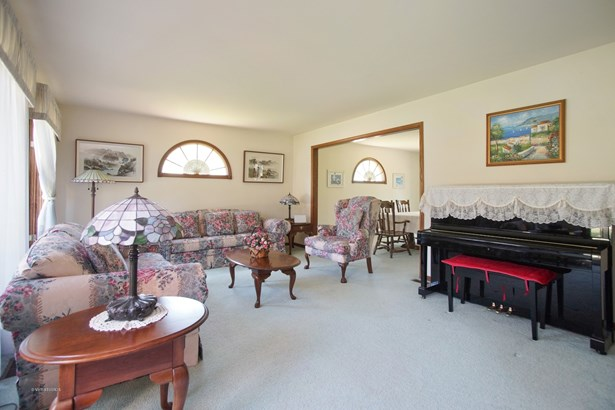 Colonial, Detached Single - Prospect Heights, IL (photo 4)
