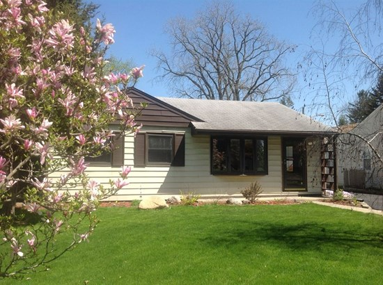 Ranch, Detached Single - Westmont, IL (photo 1)