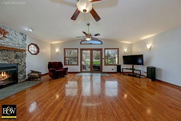 Ranch, Detached Single - Westmont, IL (photo 3)