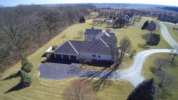 Contemporary, Detached Single - Elburn, IL (photo 3)