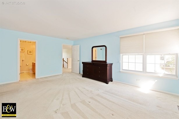Townhouse - Glendale Heights, IL (photo 5)