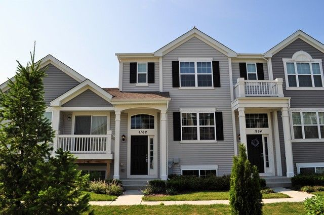 Townhouse - Pingree Grove, IL