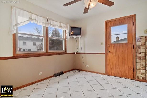 Tri-Level, Detached Single - Addison, IL (photo 5)