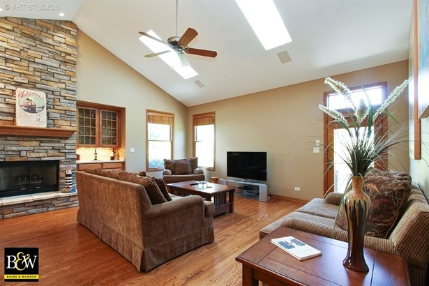 Townhouse - Antioch, IL (photo 3)