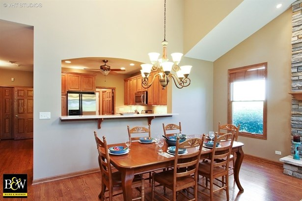 Townhouse - Antioch, IL (photo 4)