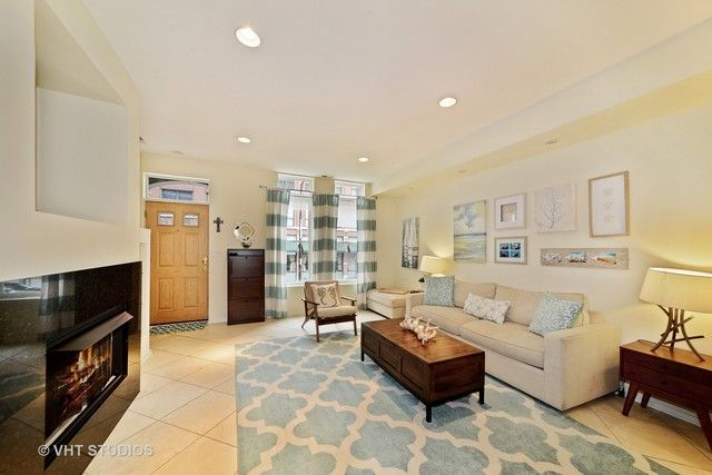 Townhouse - Chicago, IL (photo 4)