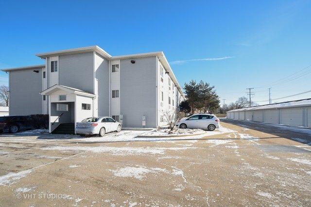 Condo - Waukegan, IL (photo 1)
