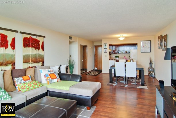 Condo - Elmwood Park, IL (photo 3)