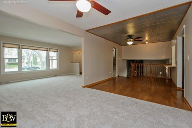 Tri-Level, Detached Single - Oak Forest, IL (photo 2)