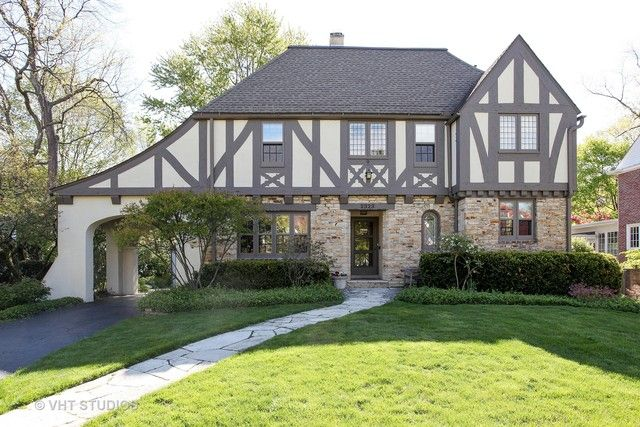 Tudor, Detached Single - Evanston, IL (photo 2)