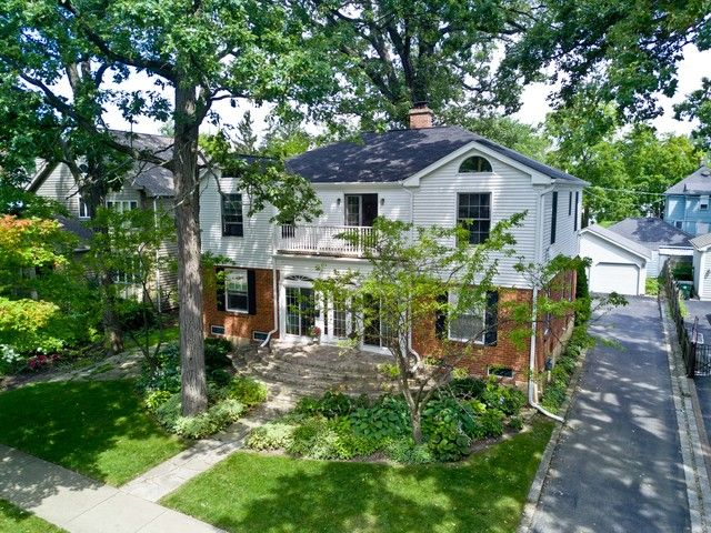 Traditional, Detached Single - Lake Bluff, IL (photo 1)