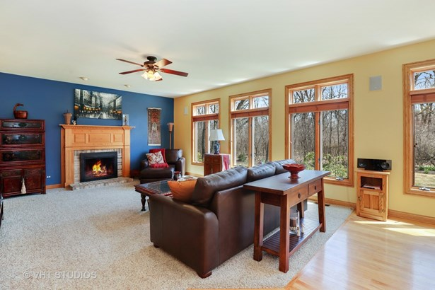 Traditional, Detached Single - Gurnee, IL (photo 5)