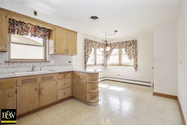 Bungalow, Detached Single - Oak Lawn, IL (photo 5)