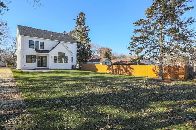 Farmhouse, Detached Single - Downers Grove, IL (photo 2)