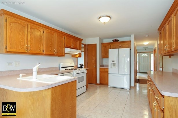 Detached Single, Step Ranch - Romeoville, IL (photo 5)