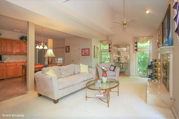 Townhouse - Roselle, IL (photo 5)
