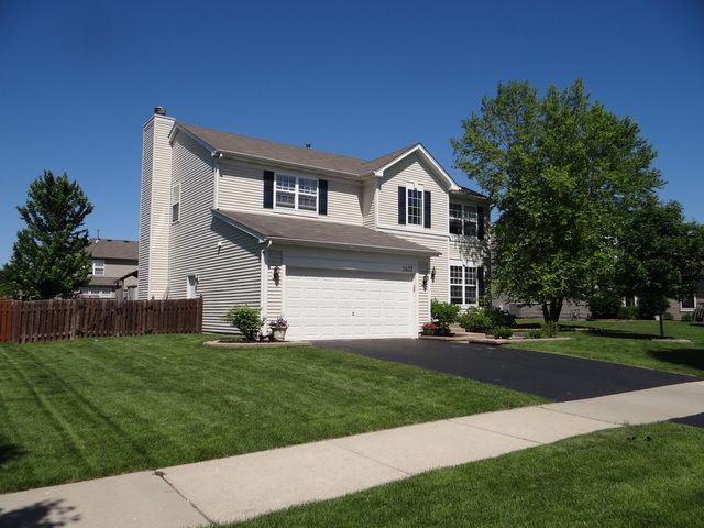 Traditional, Detached Single - Montgomery, IL (photo 2)