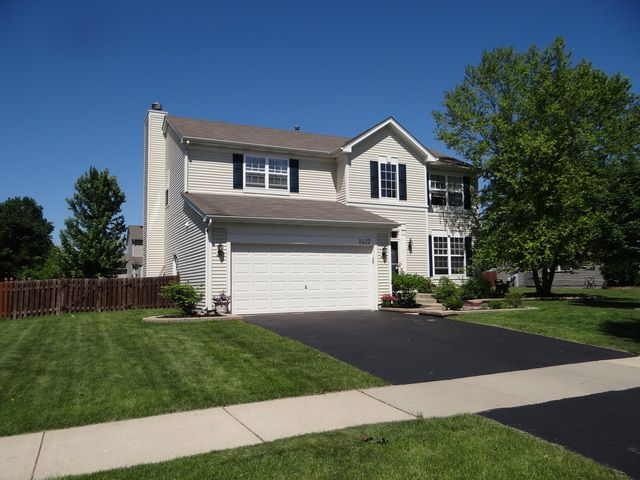 Traditional, Detached Single - Montgomery, IL (photo 3)