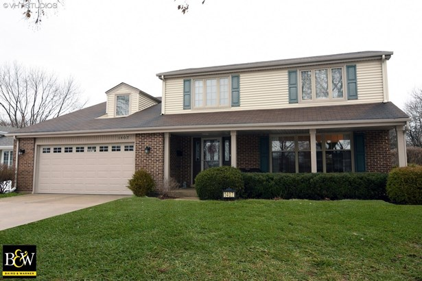 Traditional, Detached Single - Arlington Heights, IL (photo 1)