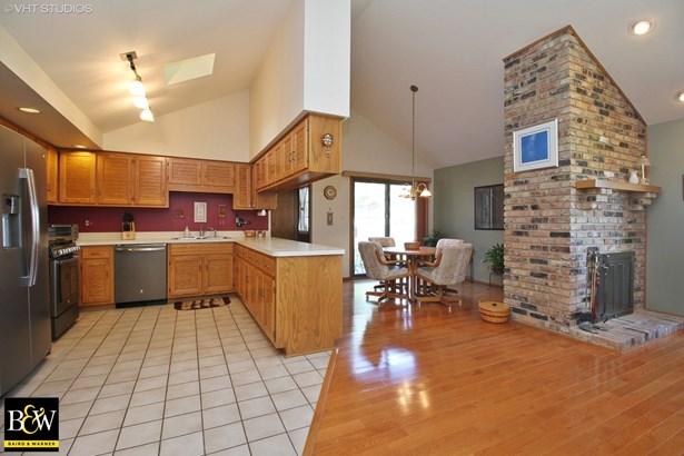Detached Single, Step Ranch - Homewood, IL (photo 4)