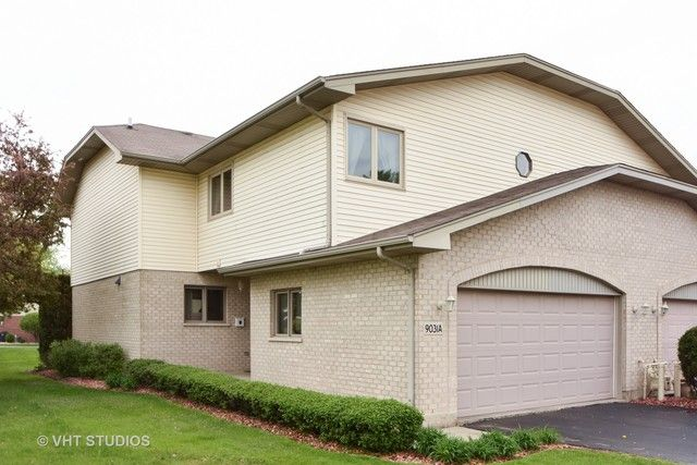 Townhouse - Palos Hills, IL (photo 1)