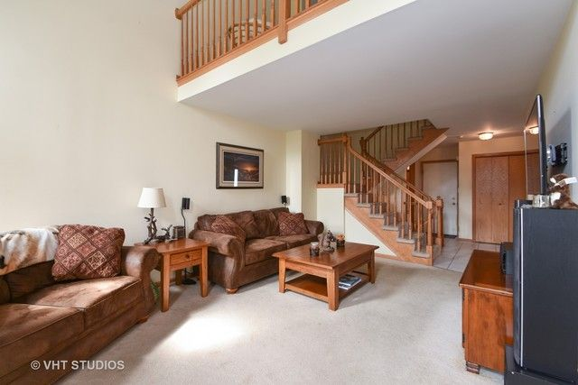 Townhouse - Palos Hills, IL (photo 2)