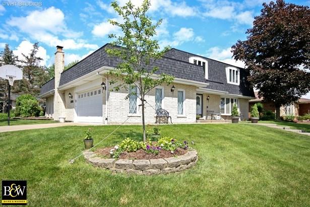 Traditional, Detached Single - Darien, IL (photo 2)