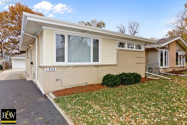 Bungalow, Detached Single - Arlington Heights, IL (photo 1)