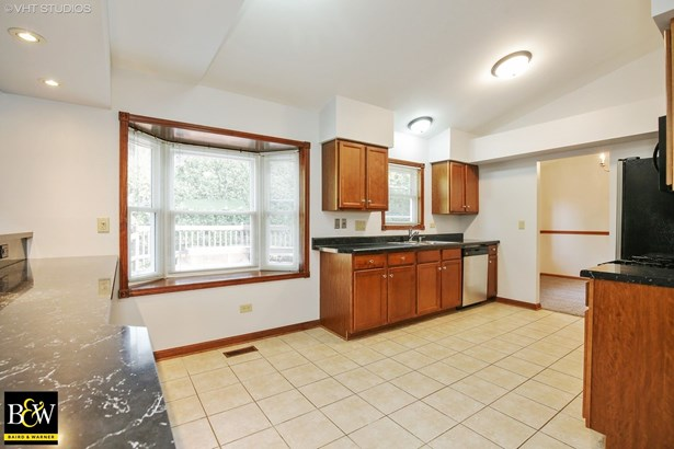 Detached Single - West Dundee, IL (photo 4)
