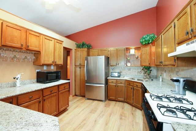 Townhouse - Frankfort, IL (photo 3)