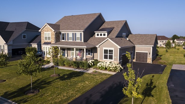 Colonial, Detached Single - Kildeer, IL