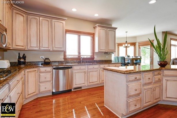 Traditional, Detached Single - Elburn, IL (photo 3)