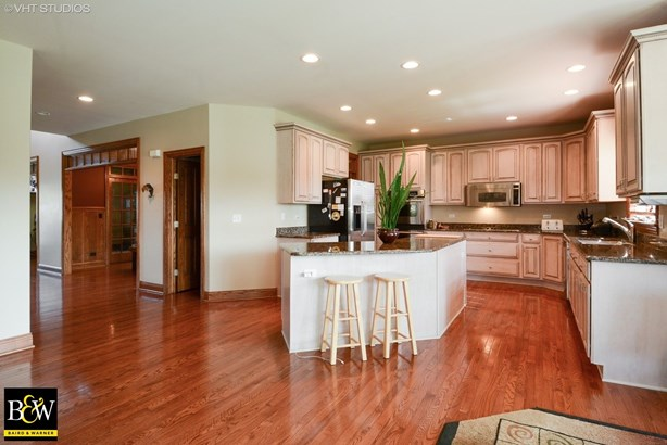 Traditional, Detached Single - Elburn, IL (photo 4)