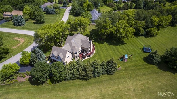Traditional, Detached Single - Crystal Lake, IL (photo 4)