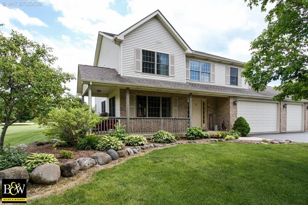 Traditional, Detached Single - Spring Grove, IL (photo 1)