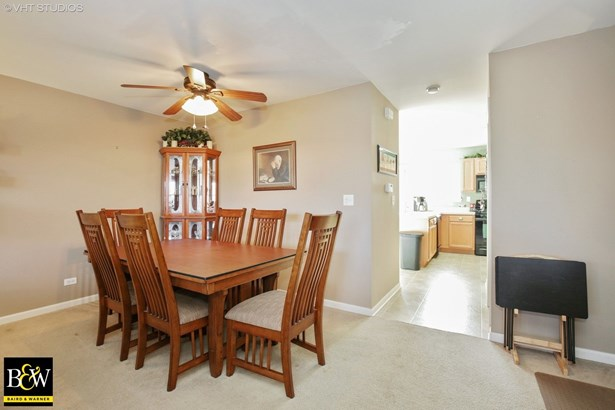 Townhouse - Pingree Grove, IL (photo 5)