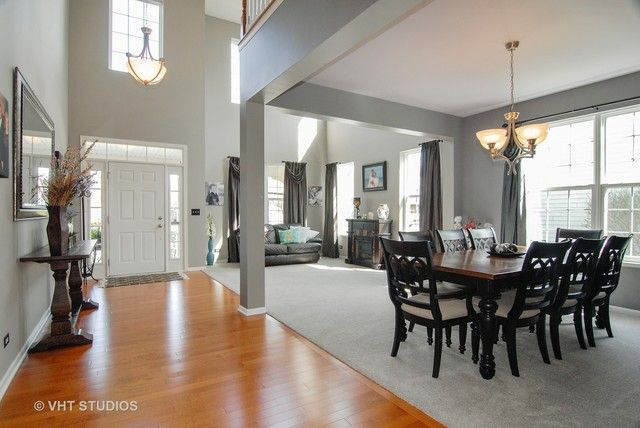Traditional, Detached Single - Elgin, IL (photo 5)