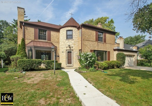 Detached Single, French Provincial - Lincolnwood, IL