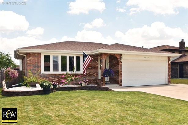 Bungalow, Detached Single - Orland Hills, IL (photo 1)
