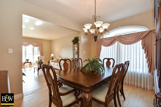Traditional, Detached Single - Tinley Park, IL (photo 5)
