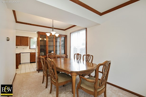 Traditional, Detached Single - Streamwood, IL (photo 3)