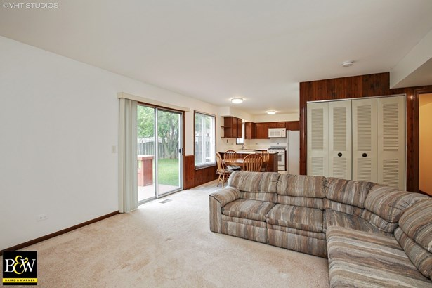 Traditional, Detached Single - Streamwood, IL (photo 5)