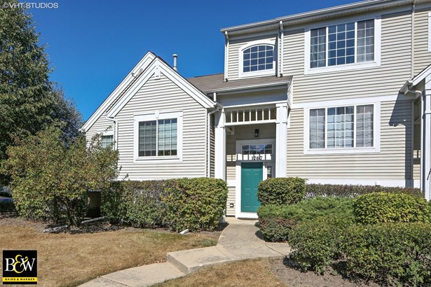 Townhouse - Glendale Heights, IL (photo 1)